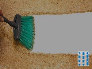 houtstofzuiger voor zaagsel in schrijnwerkerij tijdens houtbewerking