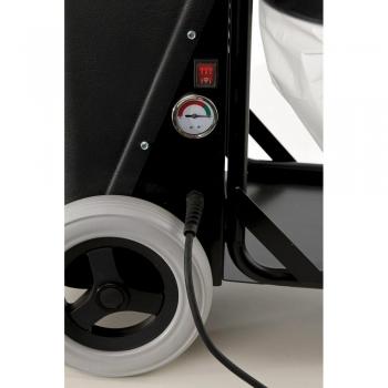 stevig stalen onderframe met niet markerende wielen en manometer als verklikker voor filterverzadiging